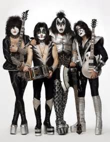 International kiss bands compete at kiss off in las vegas