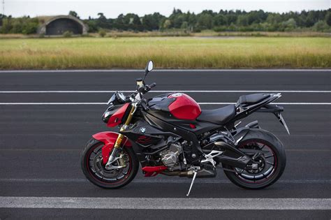 bmw bicycle 2017 2017 bmw s1000r gets updated