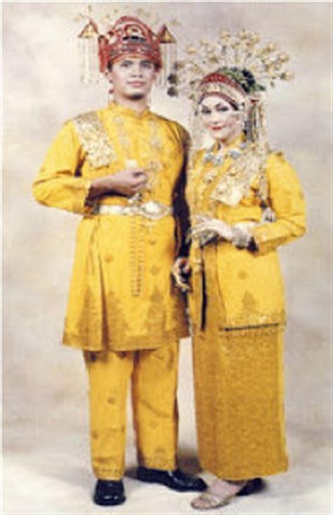 Nama Baju Daerah Riau pakaian adat provinsi riau