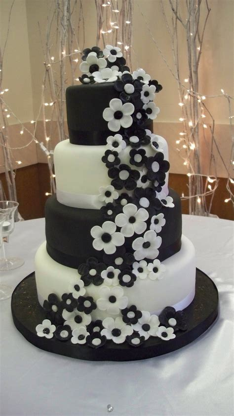 Black Wedding Cake Flowers by Black And White Wedding Cake Cakecentral