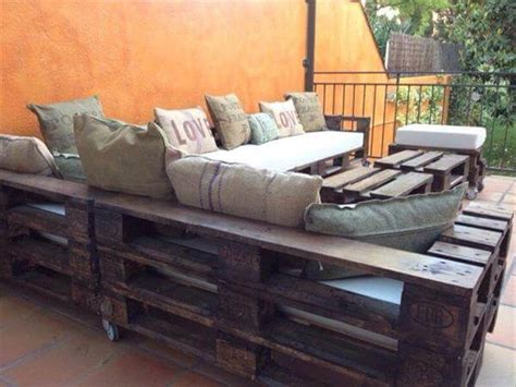 l shaped pallet couch diy pallet l shaped sectional sofa 99 pallets