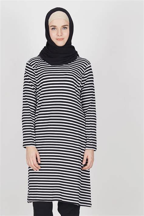 Salur Hitam Putih sell izza dress salur kecil hitam putih tops hijabenka