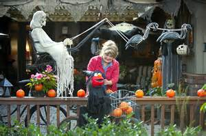 Online Halloween Decorations Scary Halloween Decorating Ideas Yard Www Imgarcade Com