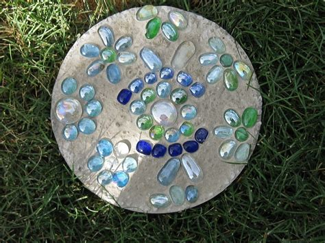 Mosaic Garden Stones by Creating Mosaic Stepping Stones In Your Garden