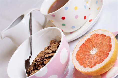 alimentazione allenamento la colazione bodybuilding cosa mangiare al mattino