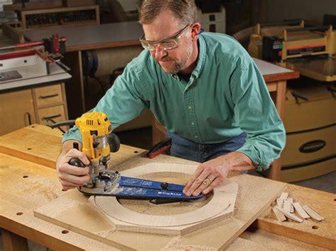cut circles   router  jig woodworking