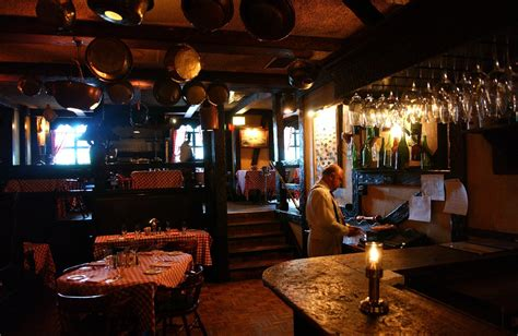 cape cod room cape cod room historic chicago restaurant will at year s end chicago tribune