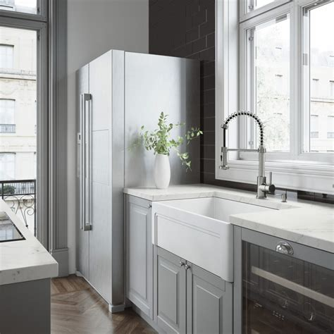 vigo matte farmhouse kitchen sink vigo 33 quot casement front matte farmhouse kitchen sink