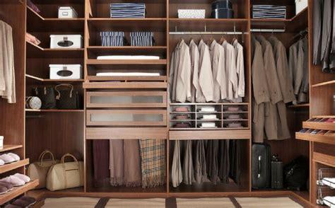 guardaroba napoli guardaroba capsula meno 232 meglio centro moda napoli