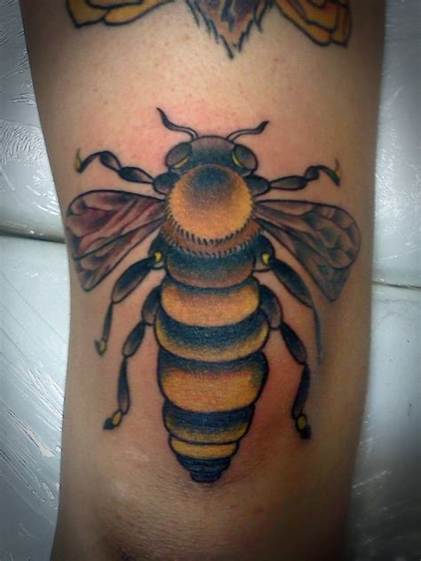 bees knees tattoo the bee s knees by justin dion at anatomy in