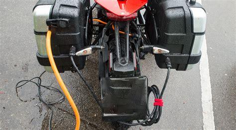 Schnellstes E Motorrad by Schnelles Laden Mit Dem E Motorrad