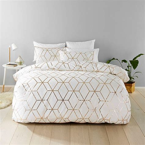 white and gold bedding best 25 gold bedding ideas on pinterest pink and gold