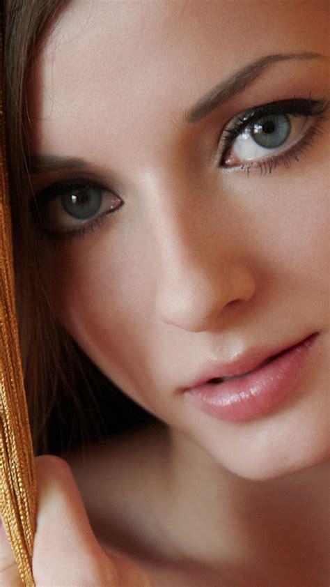 wallpaper girl eyes smartphone blue eyes girl wallpaper full hd pictures