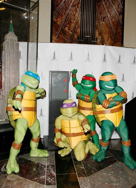 teenage mutant ninja turtles light leonardo and donatello photos photos teenage mutant