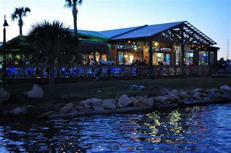 Grills Melbourne Fl by Grills Riverside Melbourne Grills Seafood Deck Tiki Bar