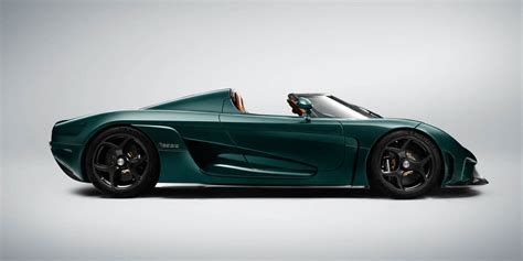 koenigsegg green this green carbon fiber koenigsegg regera is a thing of