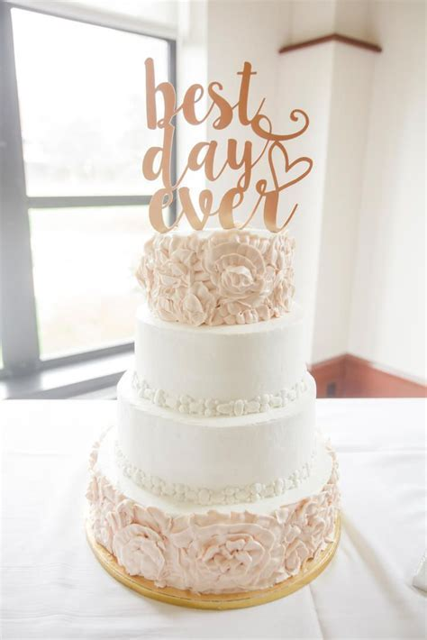 Best 25  Wedding cake toppers ideas on Pinterest