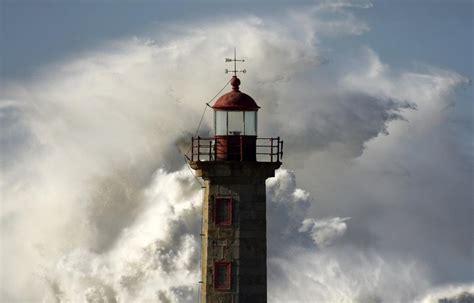 porto della spagna spagna e portogallo spazzate dalla tempesta