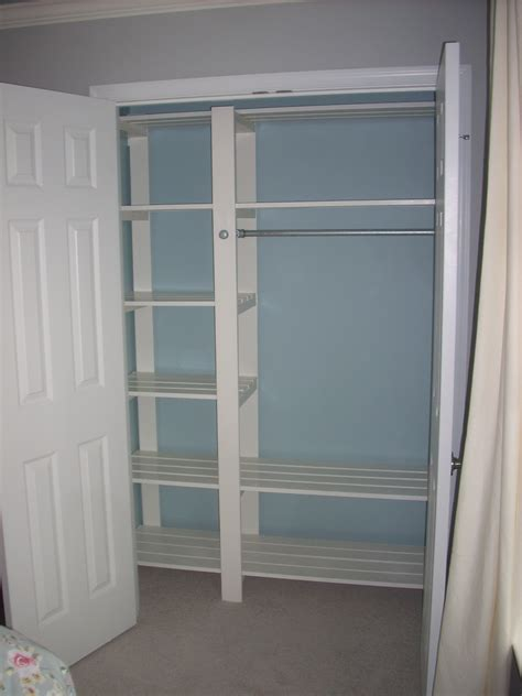 Closet Shelf Diy by White Guest Bedroom Closet Diy Projects
