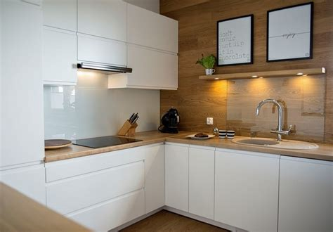 Kitchen Cabinets With Glass Fronts by Modern Oak Kitchen Designs Trendy Wood Finish In The Kitchen