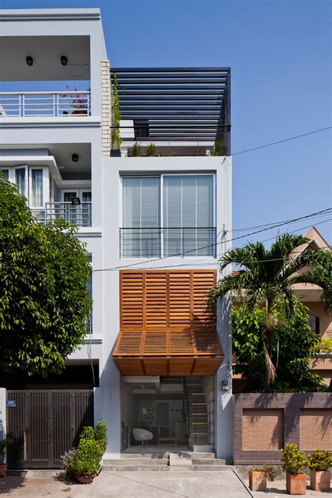 design house vietnam narrow townhouse in vietnam by mm architects
