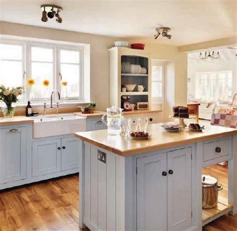 small country kitchen design 1000 ideas about small country kitchens on pinterest