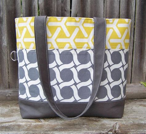 sewing pattern tote bag pockets you have to see quilted tote bag by sherri noel
