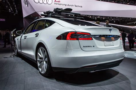 Tesla Detroit Auto Show 2015 Tesla Model S P85d Electrifies The 2015 Detroit Auto Show