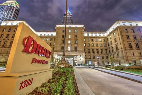 hotels with in room cleveland ohio drury plaza hotel cleveland downtown 2017 room prices deals reviews expedia