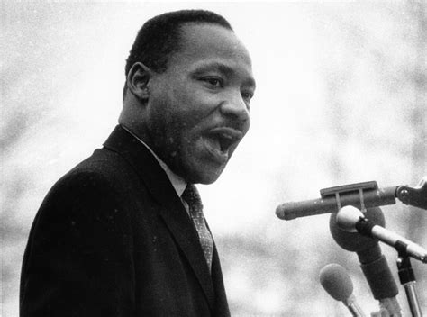 Dr martin luther king jr speaks in front of the united nations