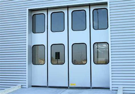 portoni per capannoni industriali portoni a libro per capannoni e magazzini chiusure