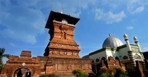 masjid menara kudus  masjid berusia ratusan