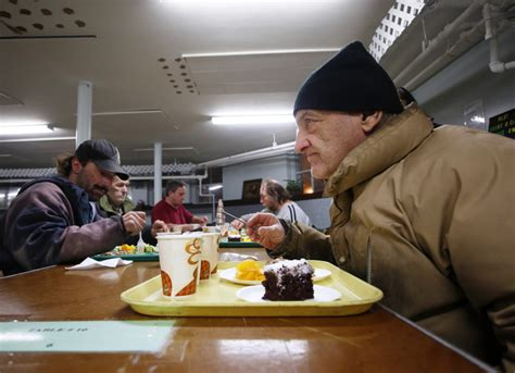 soup kitchens in portland maine hunger drives more mainers to soup kitchens portland
