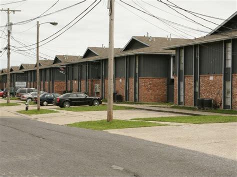 Laurel Gardens Apartments by Laurel Gardens Apts Metairie La Subsidized Low Rent Apartment
