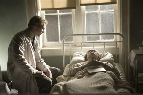 bed death carlisle carlisle cullen photo 3332124 fanpop
