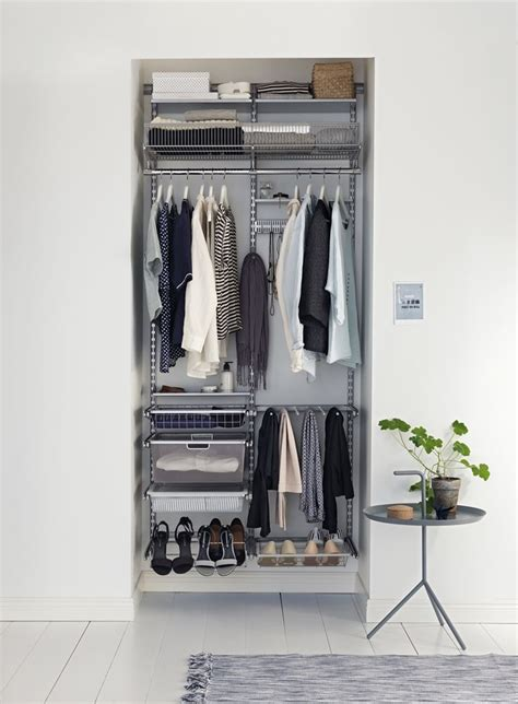 Small Wardrobe Closet 25 Best Ideas About Small Wardrobe On Small