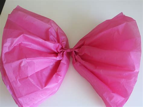 How To Make Bows With Tissue Paper - diy tissue bow tutorial the lovebugs