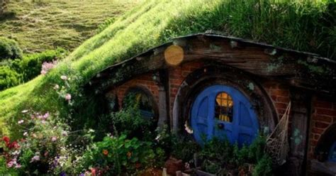 hobbit house new zealand fairy tale scenery pinterest hobbiton new zealand places to go to one day