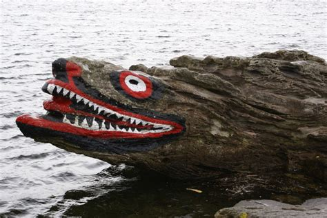 File:Crocodile rock.jpg - Wikimedia Commons