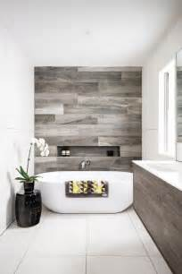 Tiny House Bathroom Design by Top 25 Best Modern Bathroom Tile Ideas On Pinterest