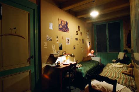 anne franks bedroom the story of anne frank in hiding