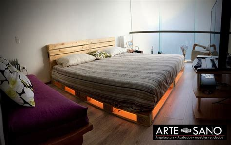 muebles cing cama king size de madera reciclada con luz inferior