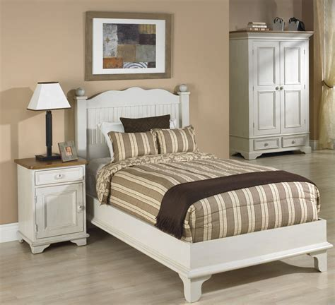 beadboard platform bed bedroom set with white paint finish