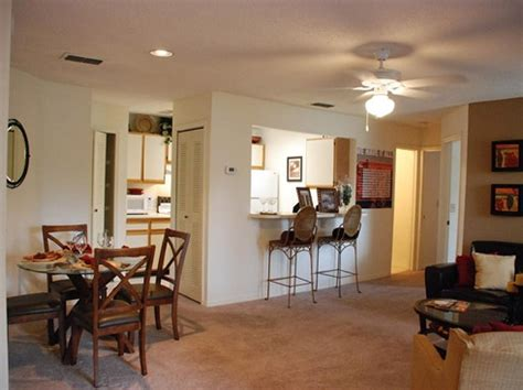 Apartment Movers Gainesville Fl The Polos Apartments In Gainesville Near Shands Uf And