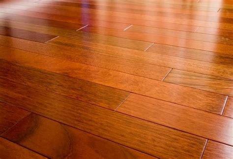 pavimento stato fai da te come eseguire la manutenzione legno restaurare