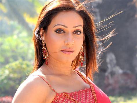 khiladi bhojpuri film actress name pakhi hegde wiki biography dob age height weight