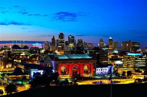 kansas city power and light district guide to kansas city power light district axs