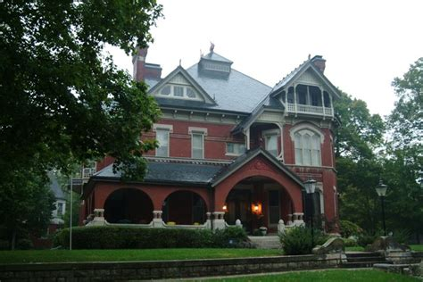 kansas city haunted houses this is the infamous gargoyle house a haunted place in kansas read its terrible