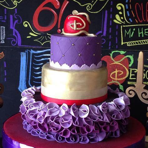 best 25 descendants cake ideas on best 25 descendants cake ideas on decendants cake descendants 2 cake and