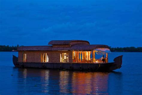 boat house in kerala pictures houseboat packages honeymoon packages in kerala houseboat